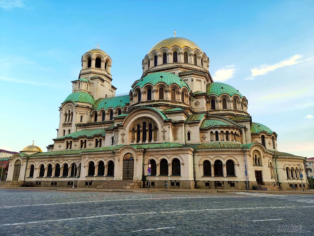 Alexander Nevsky Cathedral from the side