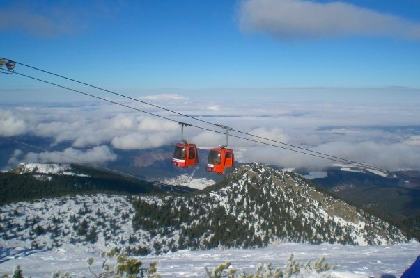 The Borovets gondola lift