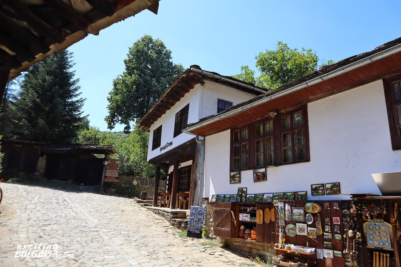 Souvenir shop in Bozhentsi